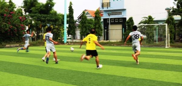 Giải bóng đá
