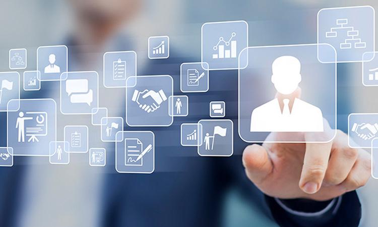 Thời trang bán lẻ, công nghệ thông tin, điện - điện tử tiếp tục là các ngành có sự tăng trưởng cao kéo theo nhu cầu tuyển dụng nhân sự lớn trong năm 2018.