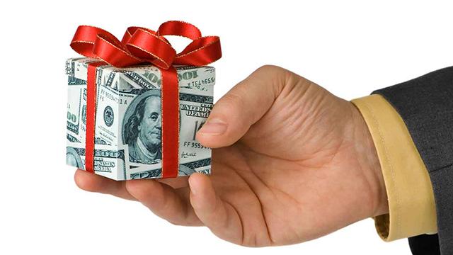 Giỗ Tổ Hùng Vương, Lễ 30/4 và 1/5: Mức lương ra sao nếu đi làm thêm?