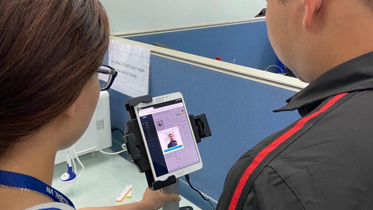 training app HRIS cho quản lý Bowker