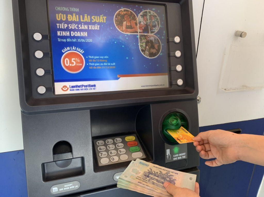 Quy định mới về trả lương qua tài khoản ATM
